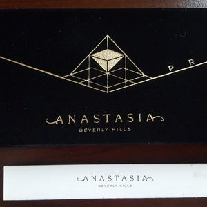 Anastasia Beverly Hills Makeup - Anastasia Beverly Hills Prism eye Palette - New!